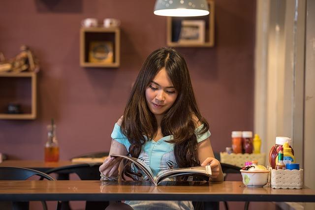 četba brunetky