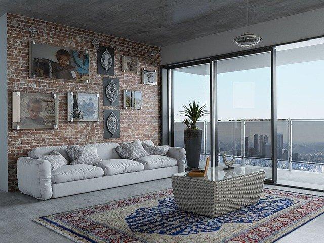 obývák s velkým oknem